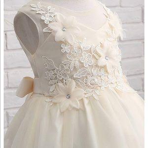 🔥HP🔥Flower girl lace dress-wedding/easter white